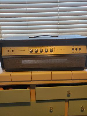 Ampeg v-4b bass head for Sale in Fresno, CA