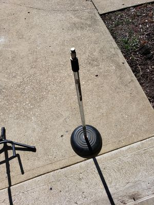 Atlas type mic stand with cast bottom! for Sale in Brunswick, OH