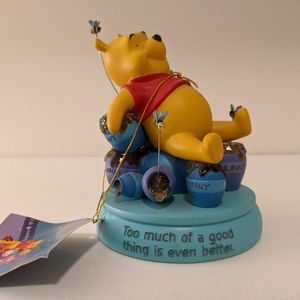 RARE Winnie the Pooh & Hunny Pots Figurine for Sale in Bay Shore, NY