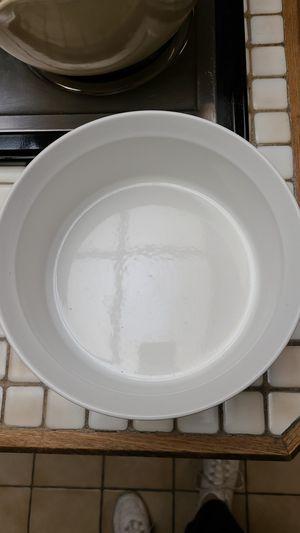 Beautiful corningware frenchwhite 2.5qt dish for Sale in San Antonio, TX