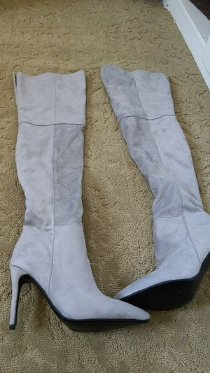 Gray suede thigh high boots size39 for Sale in Baltimore, MD
