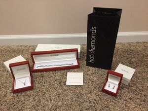 """Hot diamonds """"double bar"""" necklace, earrings and bracelet set for Sale in Pittsburgh, PA"""