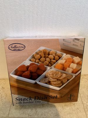 NEW SNACK DISH SET w/ BAMBOO TRAY for Sale in Stockton, CA