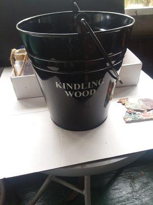 Black pail. for Sale in Lorida, FL
