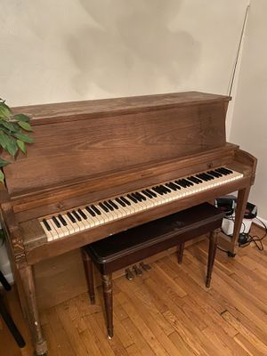 Antique Piano for Sale in Hampton, VA