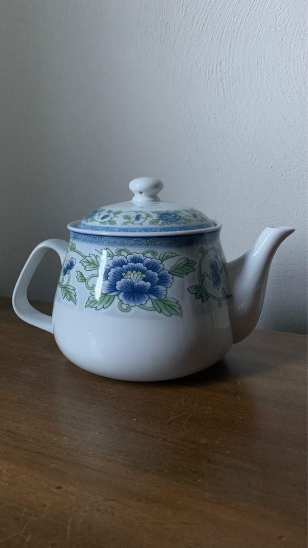 4 Cup Microwave Safe Ceramic tea pot