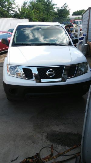 2011 Nissan frontier for Sale in Austin, TX