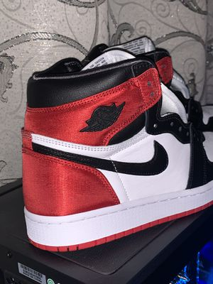 Jordan 1 Satin Black Toe (((((((SIZE 8 WMNS))))))))) for Sale in Los Angeles, CA