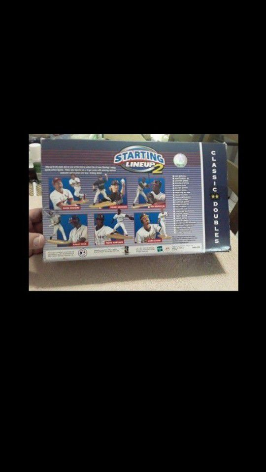 Starting Lineup 2 Classic Doubles Ken Griffey Jr. & Andruw Jones Action Figure