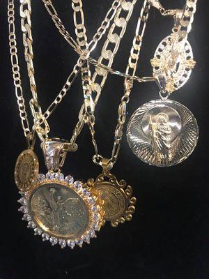 Venta de oro laminado buena calidad y económico/ gold plated jewelry for Sale in Perris, CA