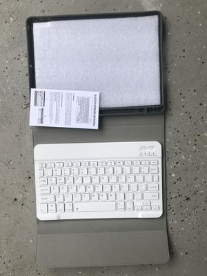 iPad 10.2 2019 7th Gen Keyboard Case with Pencil Holder for Sale in Jacksonville, FL