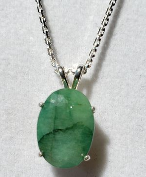 Natural Oval Emerald Silver Necklace for Sale in Justin, TX