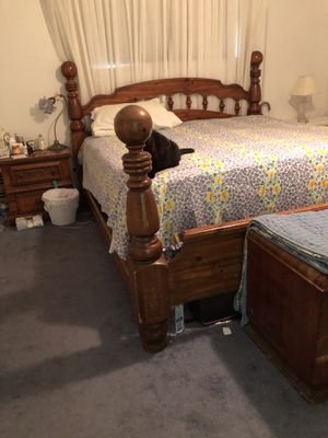 King size Vintage Headboard, footboard, side rails and 2 night stands, solid oak. for Sale in La Verne, CA