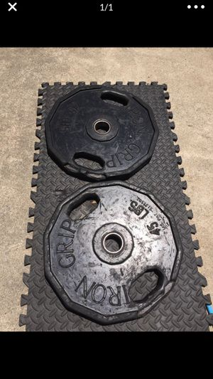 Iron Grip Olympic Weight Set for Sale in San Diego, CA