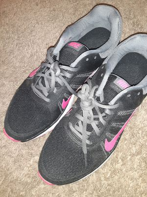 Nikes womens in size 10 for Sale in Glendale, AZ