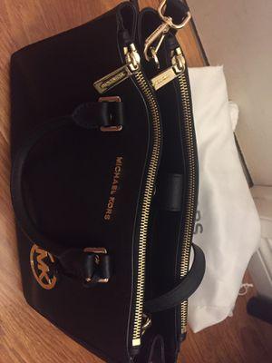 Michael Kors handbag for Sale in Glendale, CA