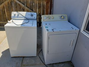 Ge gas dryer and kenmore washer for Sale in Fresno, CA