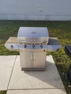 Grill - $75 for Sale in Flat Rock, MI