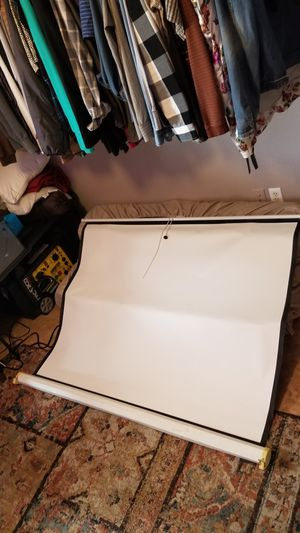 "57""x43"" Projector Screen for Sale in Gilbert, AZ"