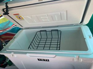 Yeti tundra 75 hard cooler with basket for Sale in AZ, US