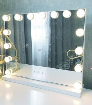 Makeup vanity mirror for Sale in New Haven, CT