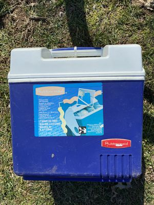 Small cooler for Sale in Fairfax, VA