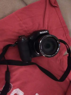 Sony DSC-300 digital photography camera 20.1 megapixel and 8gb SD card for Sale in Tucson, AZ