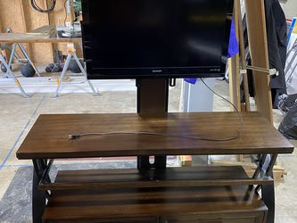 Wood, Glass & Metal TV Stand w/ TV Included for Sale in Snoqualmie Pass,  WA