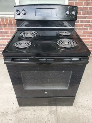 GE electric stove good working conditions for Sale in Wheat Ridge, CO