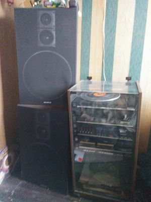 Vintage Sanyo Stereo System with Cabinet for Sale in Baltimore, MD