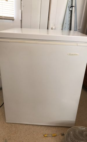 Frigidaire 5.0 Cubic Ft. Chest Freezer for Sale in Madison Heights, VA