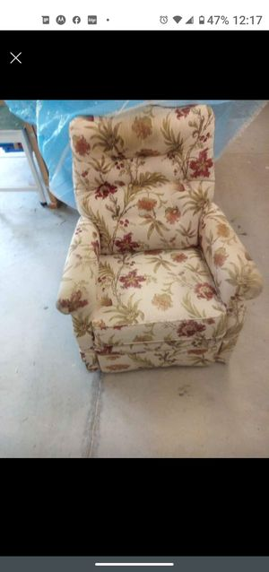 Chair for Sale in Tulsa, OK