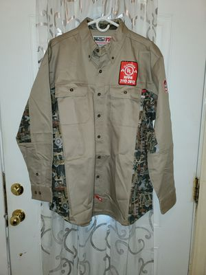 WALLS FR MEN'S WORK CAMO SHIRT SIZE XL for Sale in Houston, TX