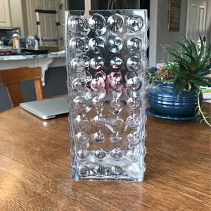 Big Flower Vase. Super Pretty. Goes With Anything. for Sale in Parker, CO