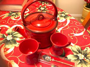Teapot With 2 cups and spoons for Sale in Gaithersburg, MD