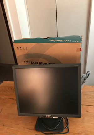 Computer monitor 17 inches with box - see pictures. for Sale in Columbus, OH