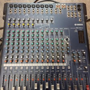 Yamaha 16 Channel Mixing Console for Sale in Dallas, TX