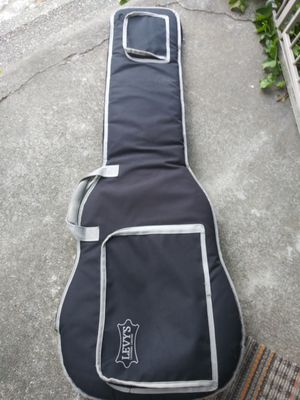 Levys em8g very nice soft guitar bag heavy canvas thick padding for Sale in Tacoma, WA