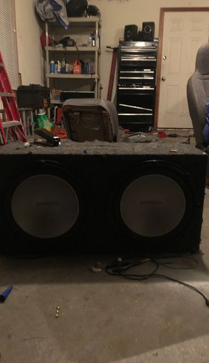 """Kenwood 2 12"""" subwoofer with 500w amp for Sale in East Windsor, CT"""
