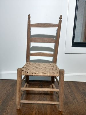 Antique chair for Sale in Atlanta, GA