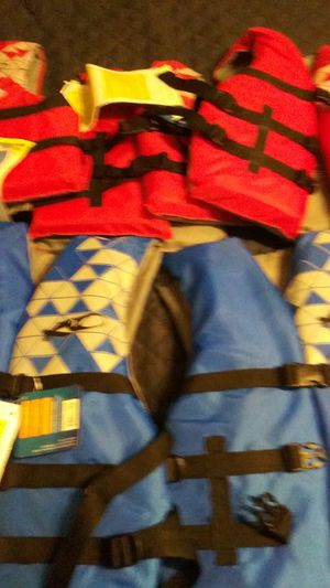 5 brand new life jackets for Sale in Knoxville, TN