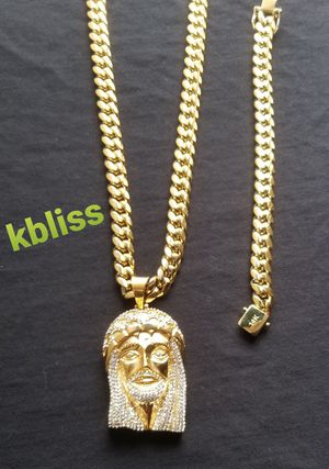 🔥🔥🔥14k Gold Plated Miami Cuban Link Chain and Bracelet Set w Iced Out Jesus Pendant... Available for Pick up or Delivery 🚚🚗 for Sale in Miami, FL