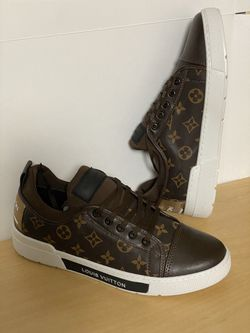 Used Louis Vuitton Mens Shoes Size 44 for Sale in Tampa,  FL