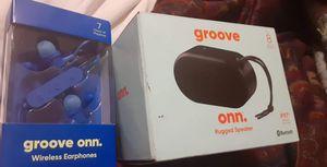 Bluetooth headphones nd speaker for Sale in Salt Lake City, UT