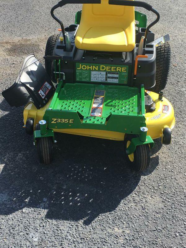John deere zero turn 42inch lawn mower
