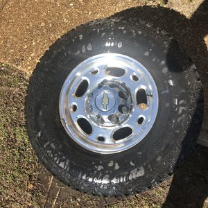 06 Chevy 3500hd Wheels/tires for Sale in Plano, TX