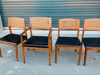 R & F Garson Furniture Co Mid Century Modern Dining Room Table Chairs for Sale in Mukilteo,  WA
