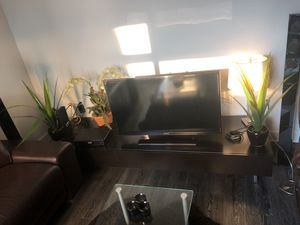 TV stand ( offering tv for free ) for Sale in Arlington, VA