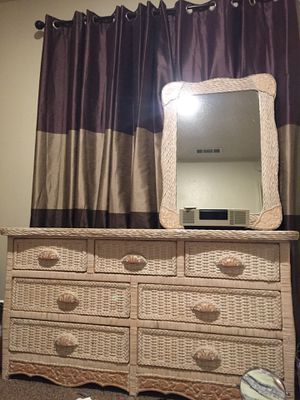 Pier One imports Bedroom set for Sale in Fresno, CA