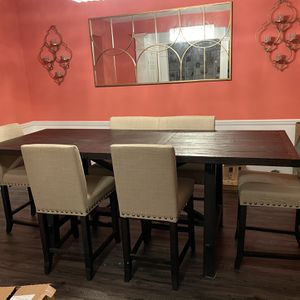 Dining Room Table And Chairs From The Dump Farmhouse Style for Sale in Carpentersville, IL